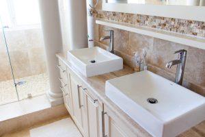 bathroom-1371961_1920
